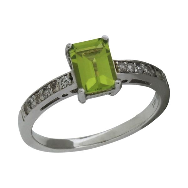 Traditional peridot ring. Holliday Jewelry Klamath Falls, OR