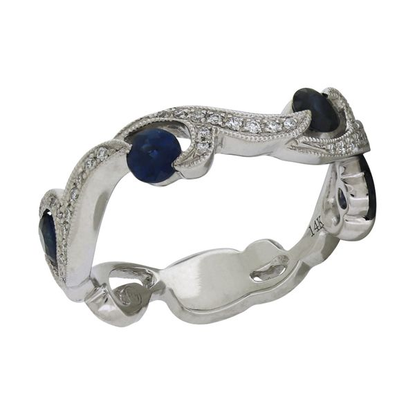 Vintage style sapphire and diamond ring. Holliday Jewelry Klamath Falls, OR