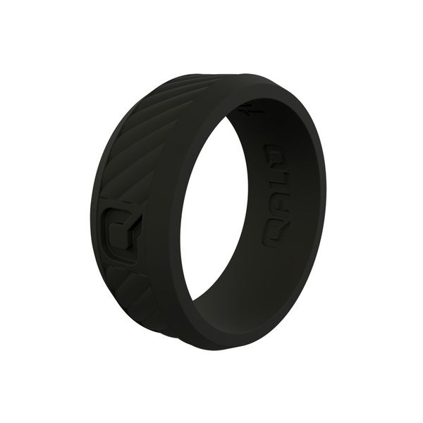 Qalo standard black traverse silicone ring. Holliday Jewelry Klamath Falls, OR