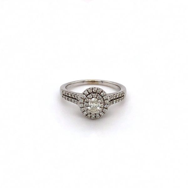 Oval Center Diamond Ring Jais Providenciales,