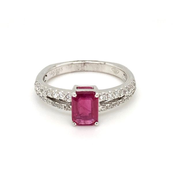 Emerald cut Ruby Ring Jais Providenciales,