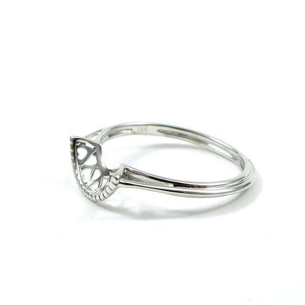 Thin Curved Wedding Band Image 2 Joint Venture Jewelry Cary, NC