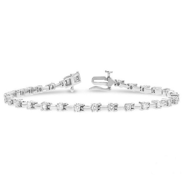 Diamond Bar Tennis Bracelet J. Thomas Jewelers Rochester Hills, MI