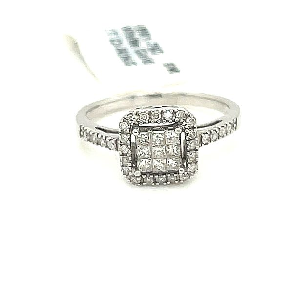 10K White Gold 0.35ct Diamond Cluster Halo Ring Si1 G Kingsmark Jewelers Jacksonville, FL