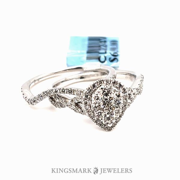 14K White Gold 1.05ct Diamond Pear Cluster Bridal Set SI, GH Kingsmark Jewelers Jacksonville, FL