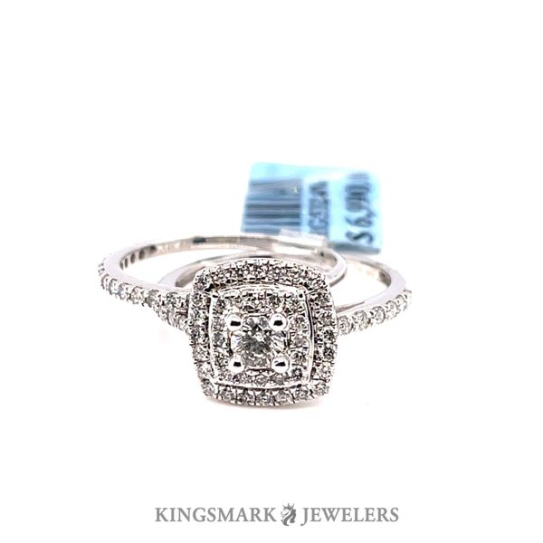 14K W.Gold Approx. 1.0ct Diamond Halo Bridal Set Si 1, GH (CTR 0.20ct) Kingsmark Jewelers Jacksonville, FL