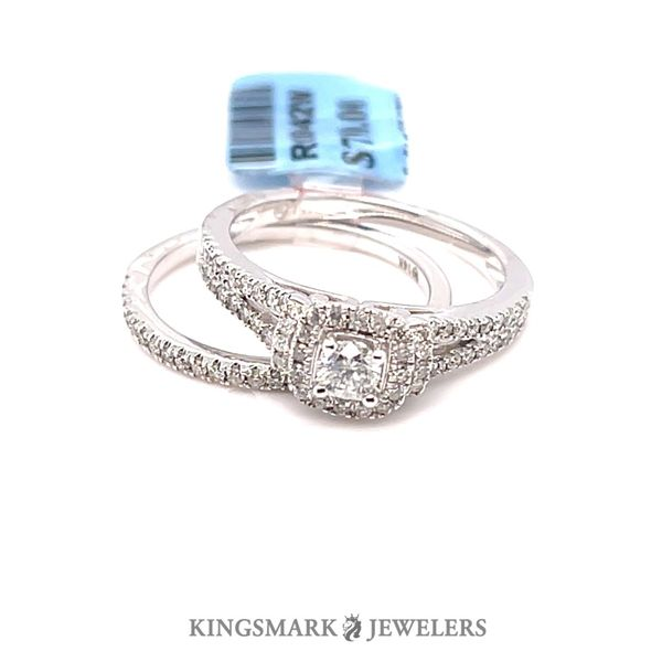 14KW Gold Approx 0.70ct Diamond Halo Bridal Set SI1, G (CTR 0.20ct) Kingsmark Jewelers Jacksonville, FL