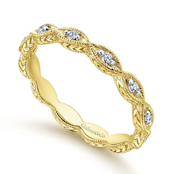 Lady's 14K Yellow Gold Diamond Wedding Band Image 2  ,