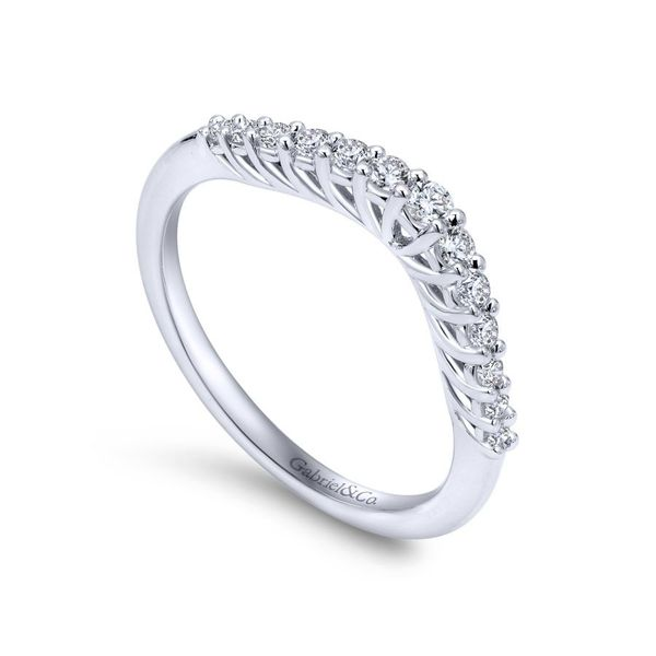 14K White Gold Curved Shared Prong Set Band Image 3 Koerber's Fine Jewelry, Inc. New Albany, IN