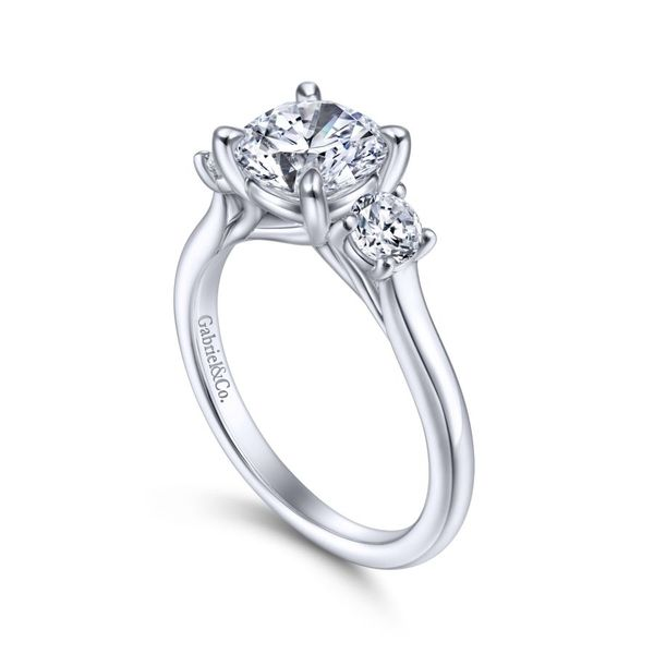 14K White Gold Round 3 Stone Diamond Engagement Ring Image 3 Koerber's Fine Jewelry, Inc. New Albany, IN