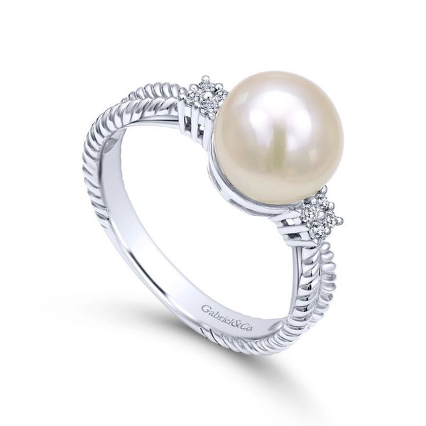 14K White Gold Twisted Classic Cultured Pearl Diamond Ring Image 3 Koerber's Fine Jewelry, Inc. New Albany, IN