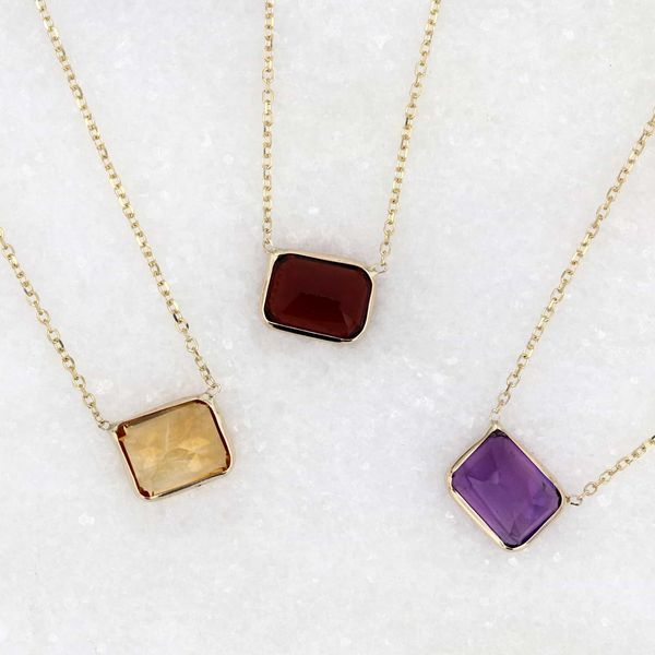 14kt Gold Emerald Cut Amethyst Necklace Image 3 La Mine d'Or Moncton, NB