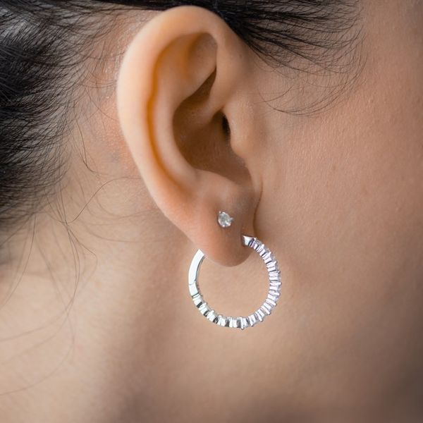 1.03tw Diamond In/Out Prong Hoop Earrings Image 5 La Mine d Or Moncton, NB