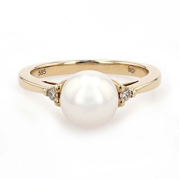 0.06ct Diamond and White Freshwater Pearl Ring set in 14kt Yellow Gold La Mine d Or Moncton, NB