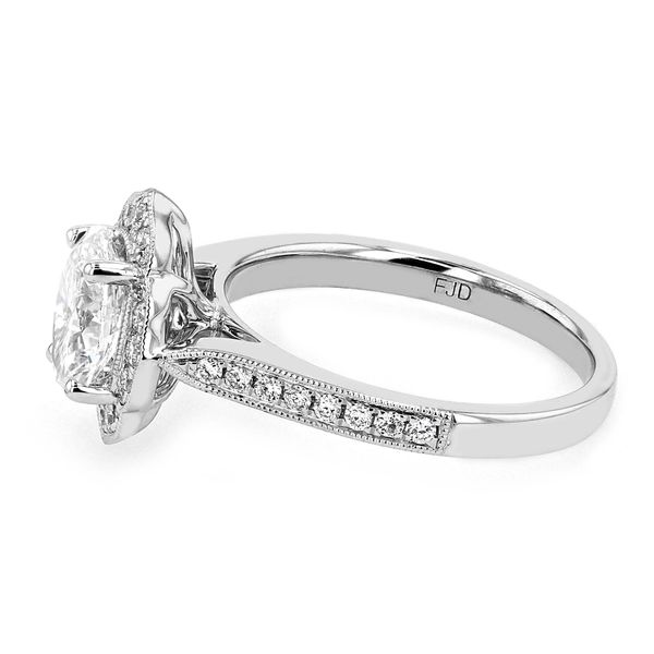 1.26tw Oval Diamond Vintage Style Engagement Ring Image 2 La Mine d Or Moncton, NB