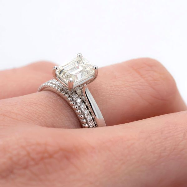 2.04ct Forevermark Emerald Cut Diamond Solitaire Engagement Ring Image 3 La Mine d Or Moncton, NB