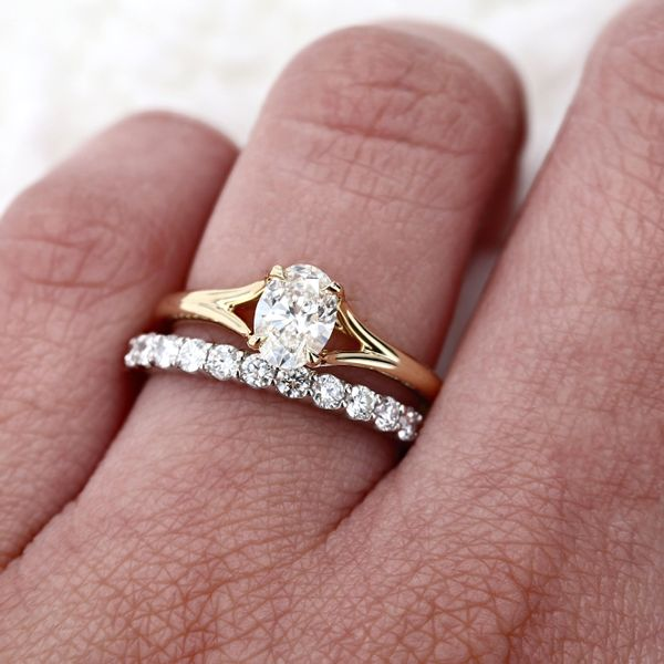 0.70ct Forevermark Oval Diamond Engagement Ring 18kt Yellow Gold Image 3 La Mine d Or Moncton, NB