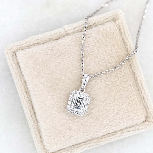 "0.58tw Prive Diamond Pendant, 18"" Cable Chain Image 3 La Mine d'Or Moncton, NB"