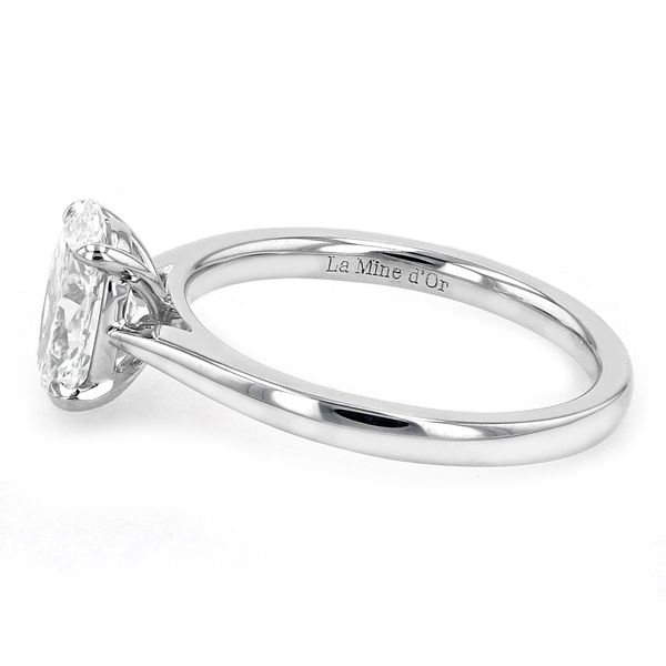 1.29ct Prive Oval Solitaire Engagement Ring 18kt White Palladium Gold Image 2 La Mine d Or Moncton, NB
