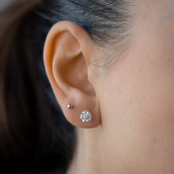 2.00tw Prive Solitaire Diamond Earrings in Martini Settings Image 4 La Mine d Or Moncton, NB