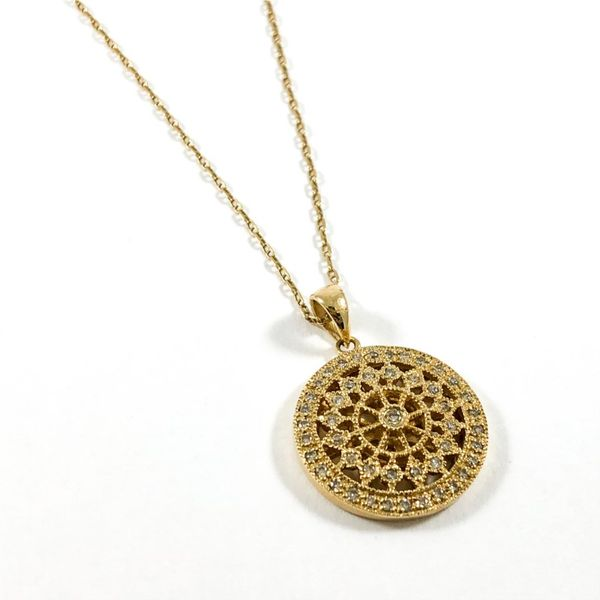 Diamond and Yellow Gold Filigree Necklace - 20