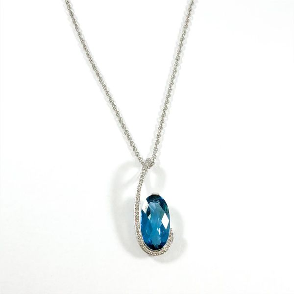 4.48ct London Blue Topaz and Diamond Necklace - White Gold - 18