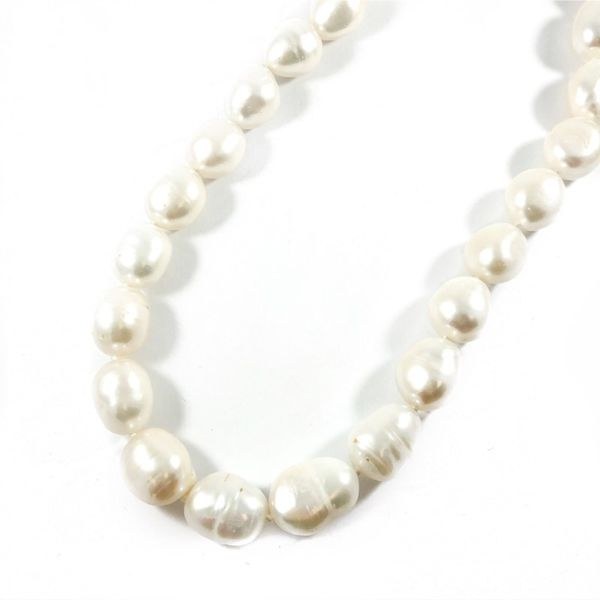 Freshwater Pearl Necklace - 18