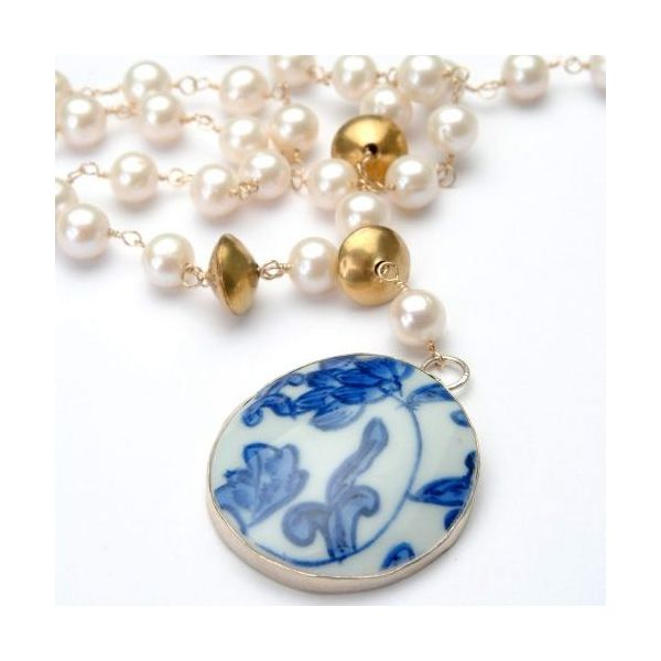 Wendy Perry Designs Freshwater Pearl, Brass, and Chinoiserie Pendant Beaufort Necklace - 22-23.5
