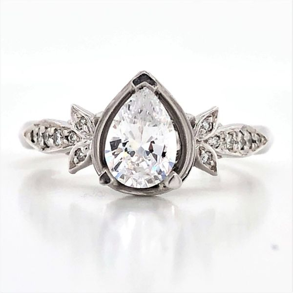 Semi-Mount Ring Mark Jewellers La Crosse, WI