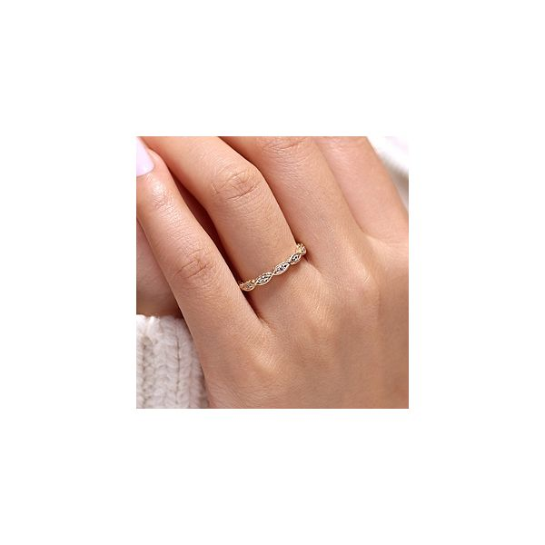 Fashion Ring Image 3 Mees Jewelry Chillicothe, OH
