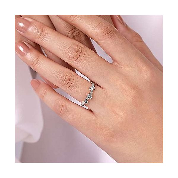 Fashion Ring Image 4 Mees Jewelry Chillicothe, OH