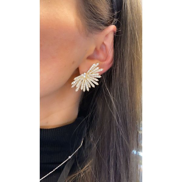 White Gold Snow Flake Earrings Image 2 Mollys Jewelers Brooklyn, NY
