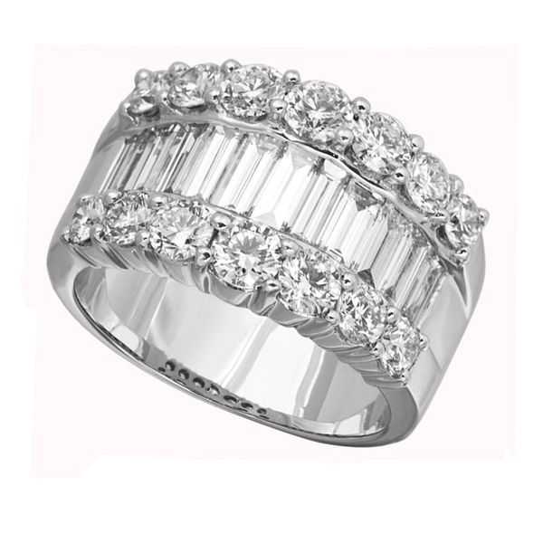 18 Karat White Gold Ring With 25 Diamonds Orin Jewelers Northville, MI