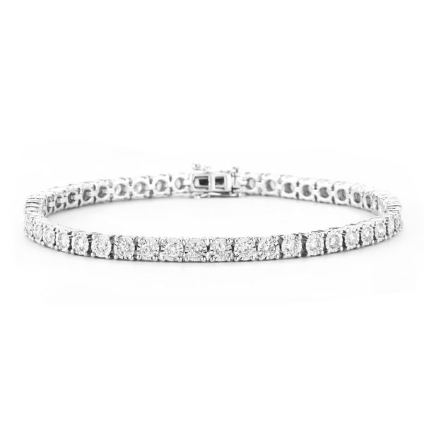 Diamond Tennis Bracelet Peter & Co. Jewelers Avon Lake, OH