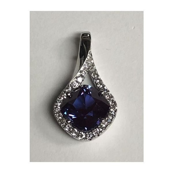 14KW Chatham Alexandrite Pendant Pineforest Jewelry, Inc. Houston, TX