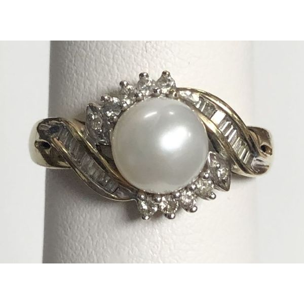 10KY Diamond & Pearl fashion ring Size:8.25 Gram Weight:3.7gr Pineforest Jewelry, Inc. Houston, TX