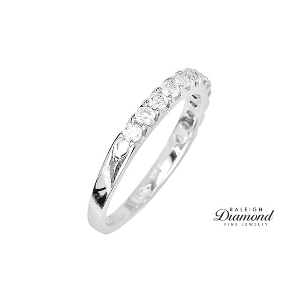 Estate 14k White Gold 1/2ctw Diamond Band Image 2 Raleigh Diamond Raleigh, NC