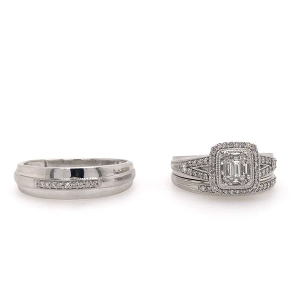 10k White Gold 0.50ctw Baguette and Round Diamond Trio Bridal Set. Robert Irwin Jewelers Memphis, TN