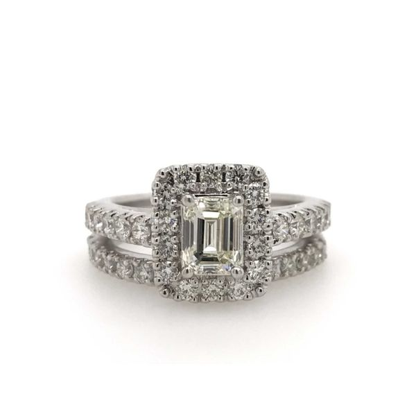 14k White Gold 2.25ctw Diamond Bridal Set with 1.00ctw Emerald Cut Center Robert Irwin Jewelers Memphis, TN