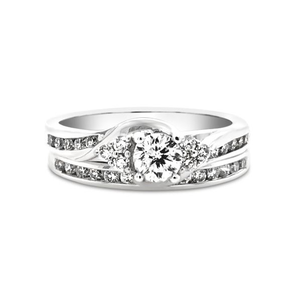 14k White Gold 0.75ctw Cien Amore Bridal Set with 0.31ct Round Brilliant Center Diamond Robert Irwin Jewelers Memphis, TN