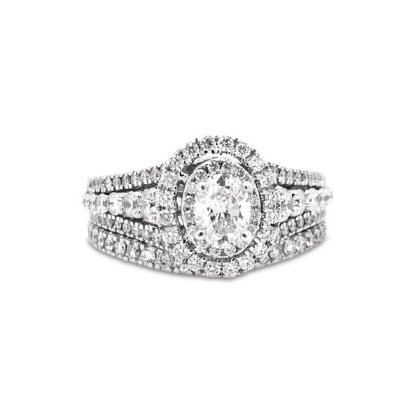 14k White Gold 1.50ctw Bridal Set With 0.50ctw Oval Center Robert Irwin Jewelers Memphis, TN