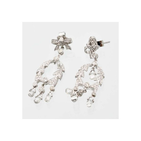 18k White Gold 2.50ctw Diamond Chandelier Earrings Robert Irwin Jewelers Memphis, TN