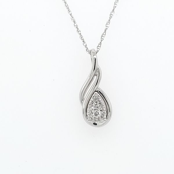 Lovebright Diamond Pendant Image 4 Ross Elliott Jewelers Terre Haute, IN