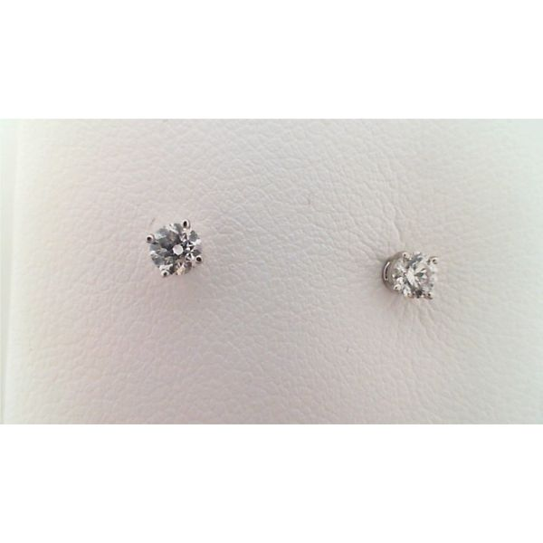 14KT WHITE GOLD 0.25CTDW A QUALITY FOUR PRONG ROUND NATURAL DIAMOND STUD EARRINGS ON PIERCED POST Sanders Diamond Jewelers Pasadena, MD