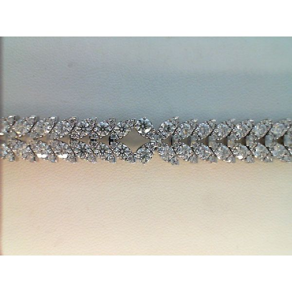 18KT WHITE GOLD 10.45CTDW VS-SI G-H AERIAL DIAMOND BRACELET BY HEARTS ON FIRE Sanders Diamond Jewelers Pasadena, MD