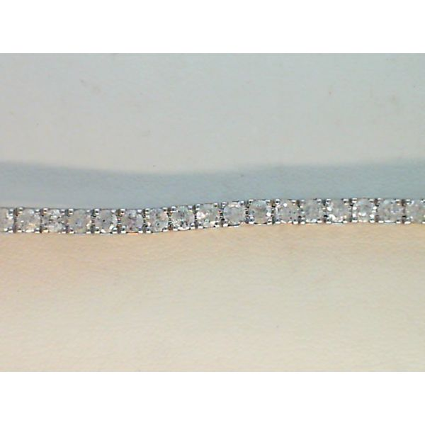 14kt White Gold Natural Diamond Line Bracelet Sanders Diamond Jewelers Pasadena, MD