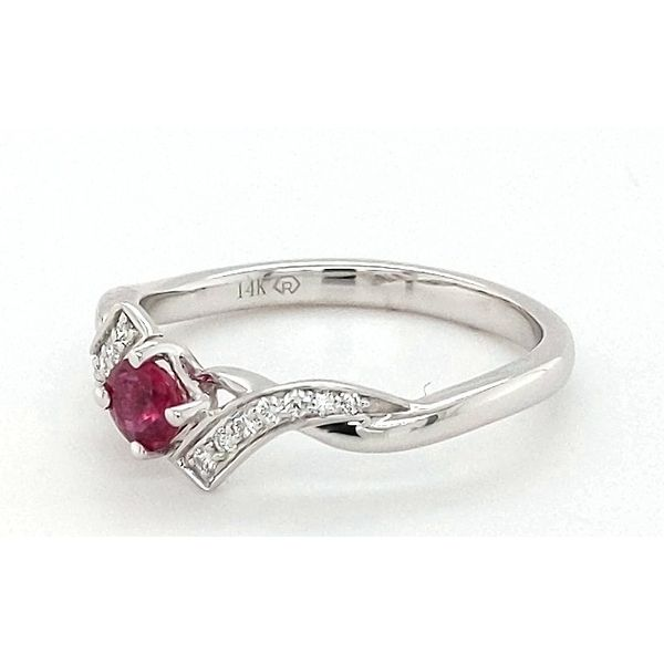Colored Stone Fashion Ring Image 4 Stambaugh Jewelers Defiance, OH