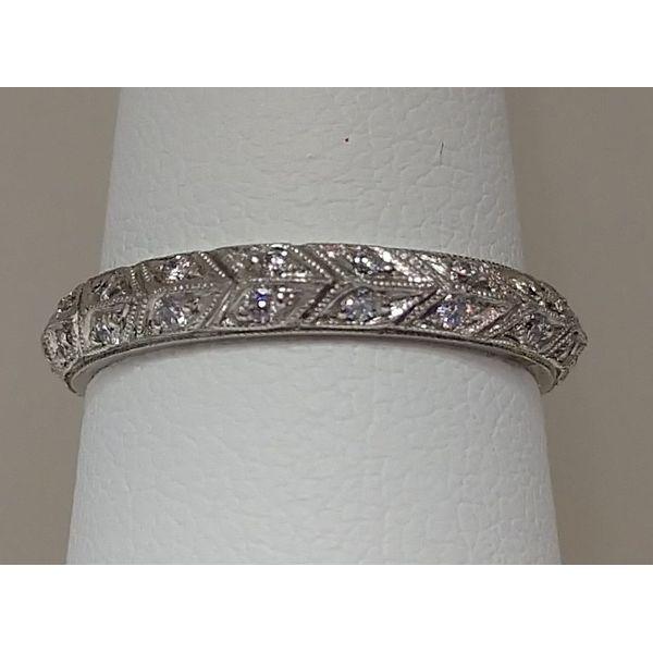 Woman's Wedding Band Swede's Jewelers East Windsor, CT