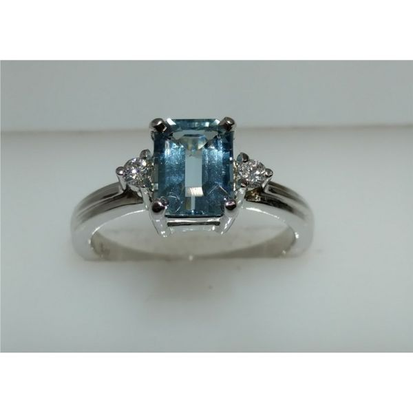 14k White Gold 1.40ct Emerald Cut Aquamarine with 2) .05tw Round Diamonds Ring size 7 Swede's Jewelers East Windsor, CT