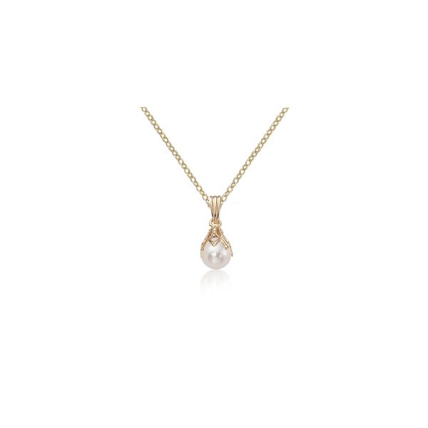 14Kt Yellow Gold Drop Pearl Pendantl On 18
